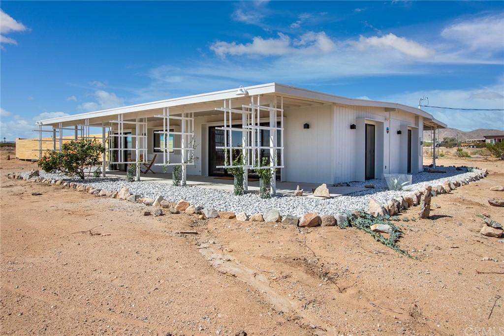 56825 Lilac Lane Property Photo