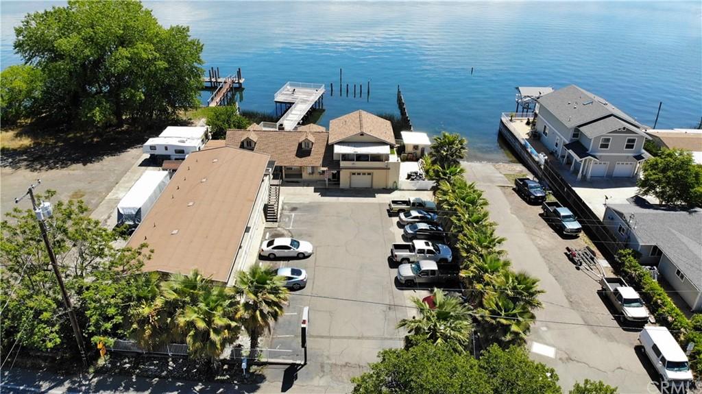 2802 Lakeshore Boulevard Property Photo