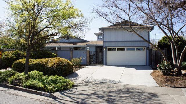 7050 Chiala Lane Property Photo