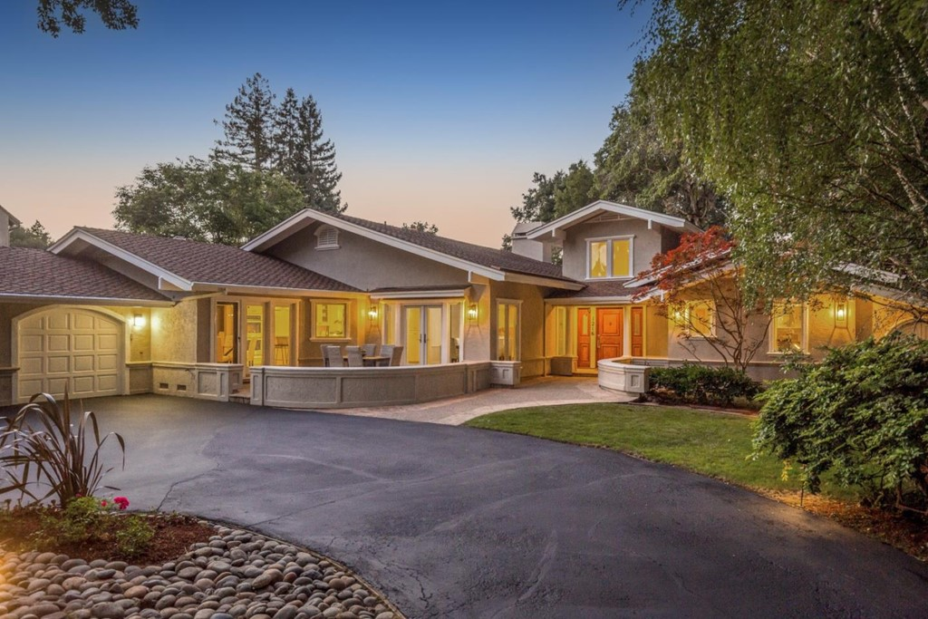 1216 San Mateo Drive Property Photo
