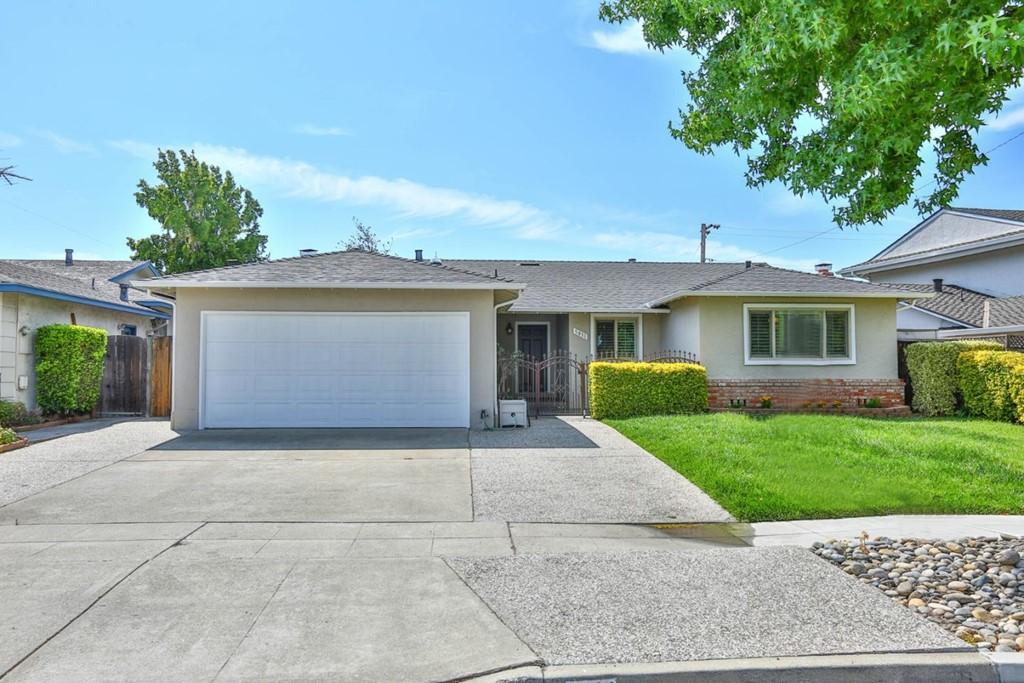 5011 Moorpark Avenue Property Photo