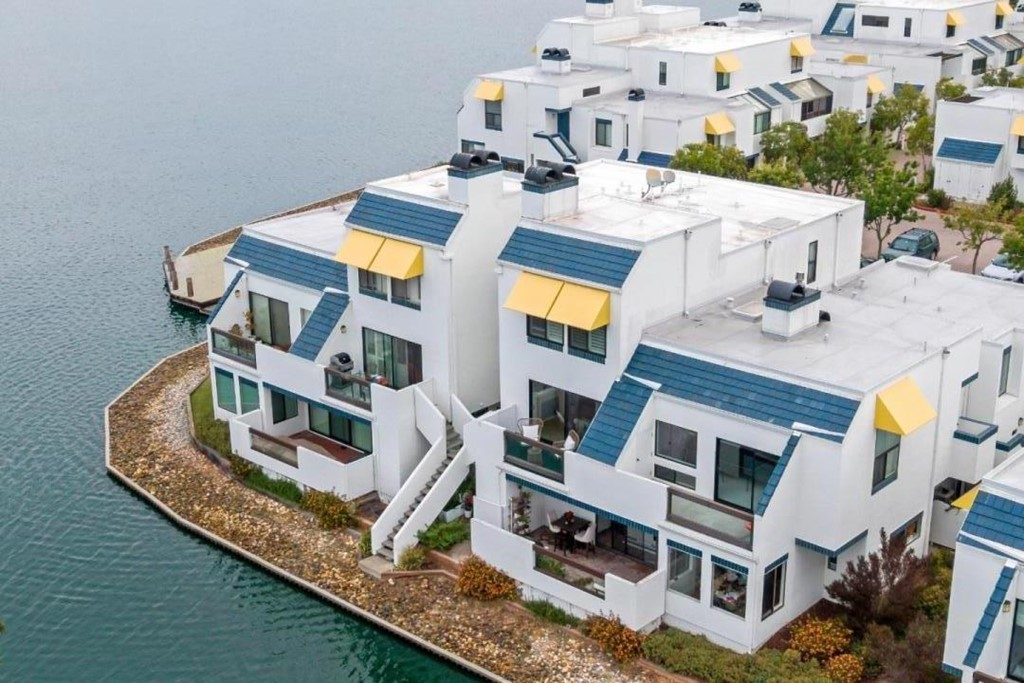 869 Balboa Lane Property Photo