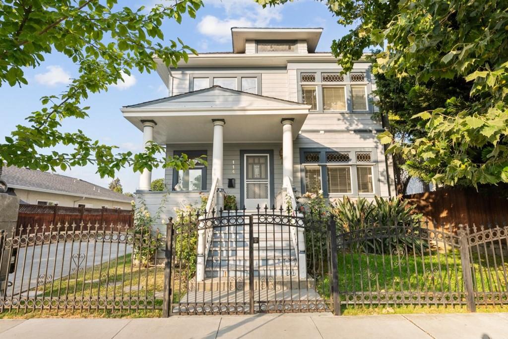 114 17th Street Property Photo
