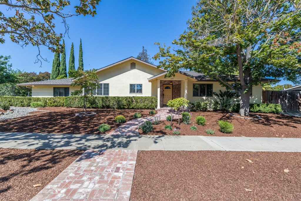 1511 Coronach Avenue Property Photo