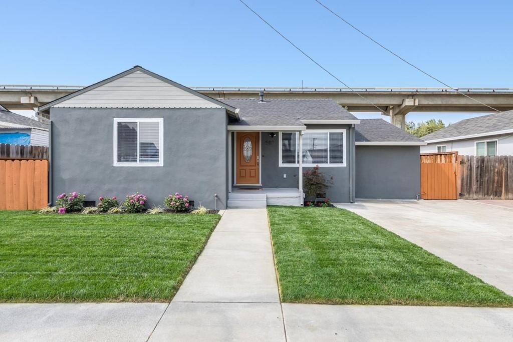 569 Paradise Boulevard Property Photo