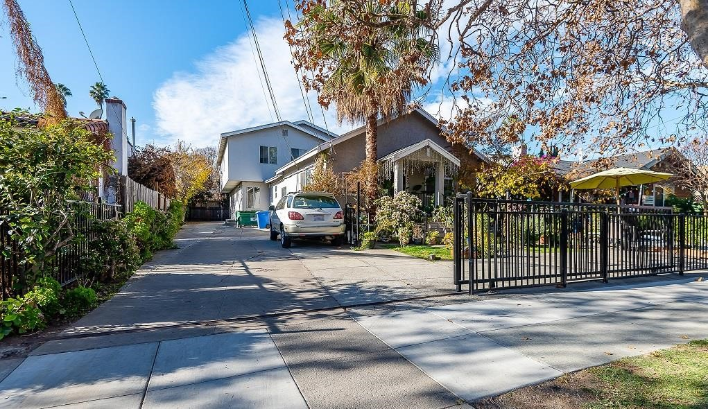 439 8th Street Property Photo