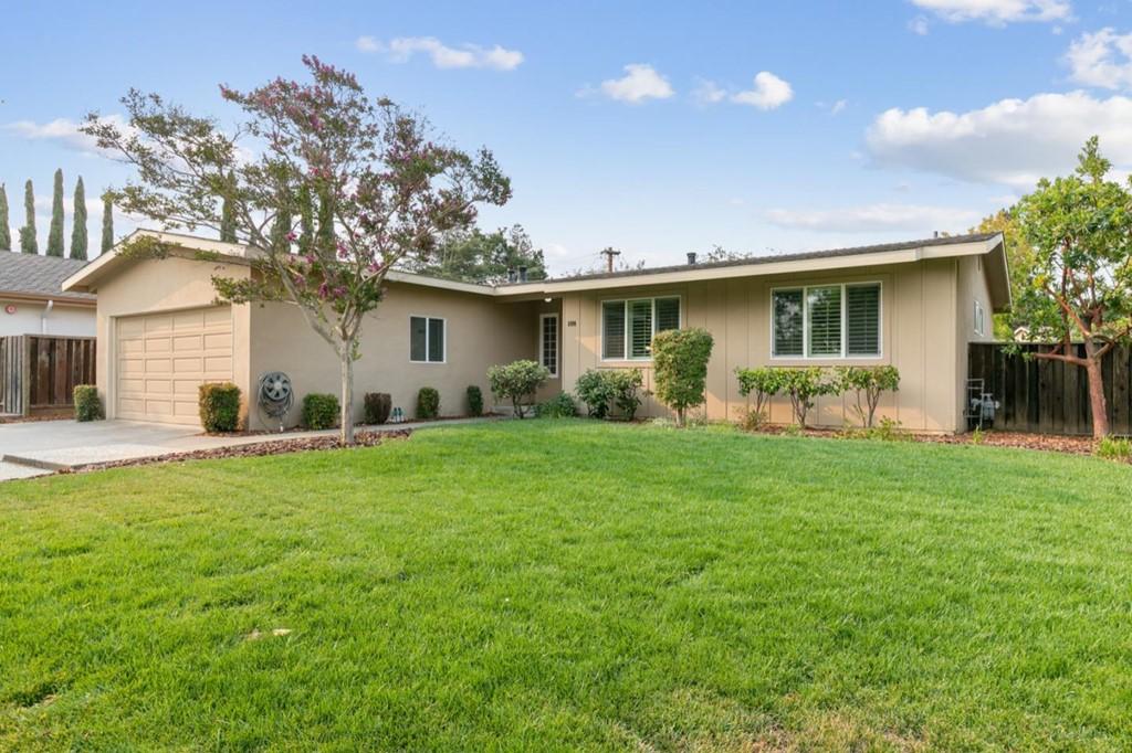 6990 Chiala Lane Property Photo