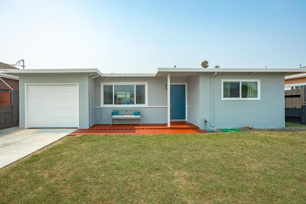 36641 Jennifer Street Property Photo