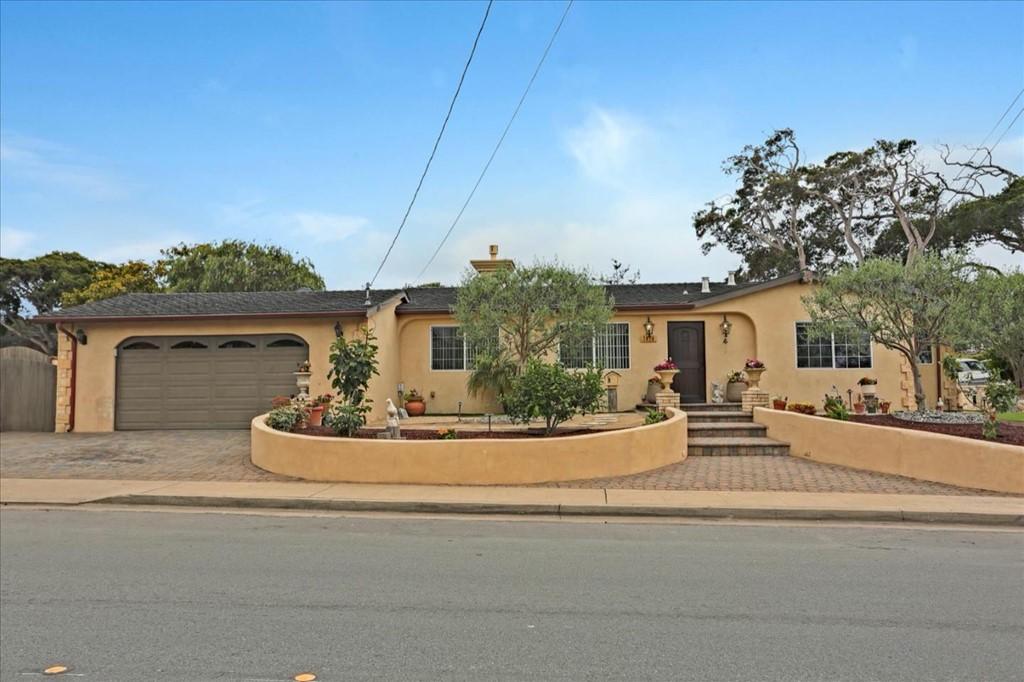 1076 Hilby Avenue Property Photo