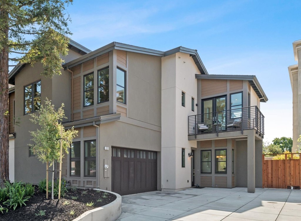 830 Olive Avenue Property Photo