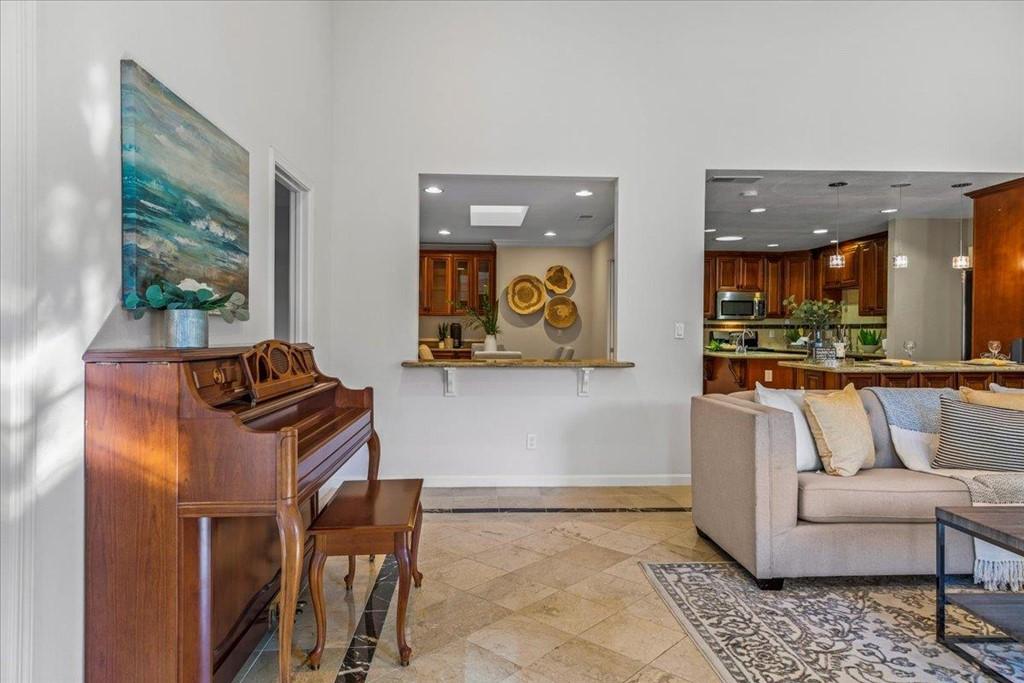 4892 Moorpark Avenue Property Photo