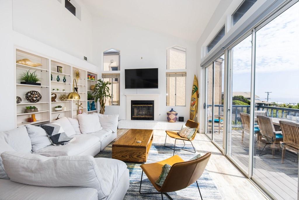 2255 Oxford Avenue Property Photo