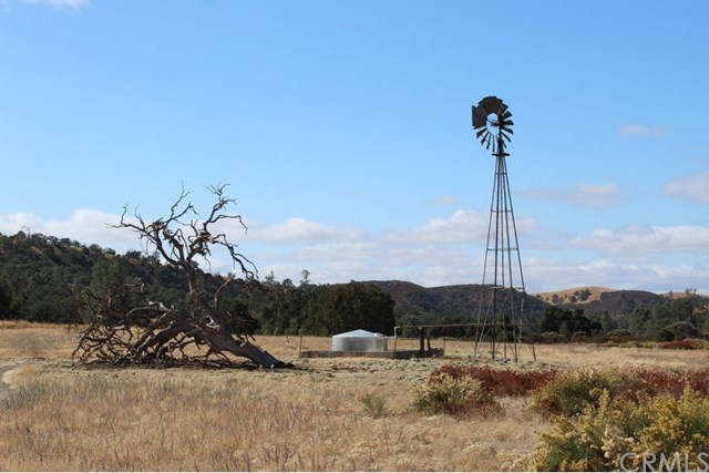 71900 Vineyard Canyon Road Property Photo