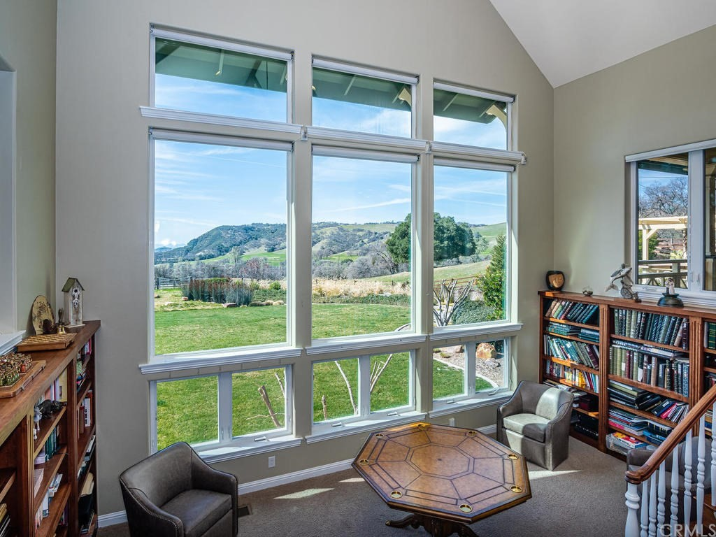 69300 Vineyard Canyon Road Property Photo 9