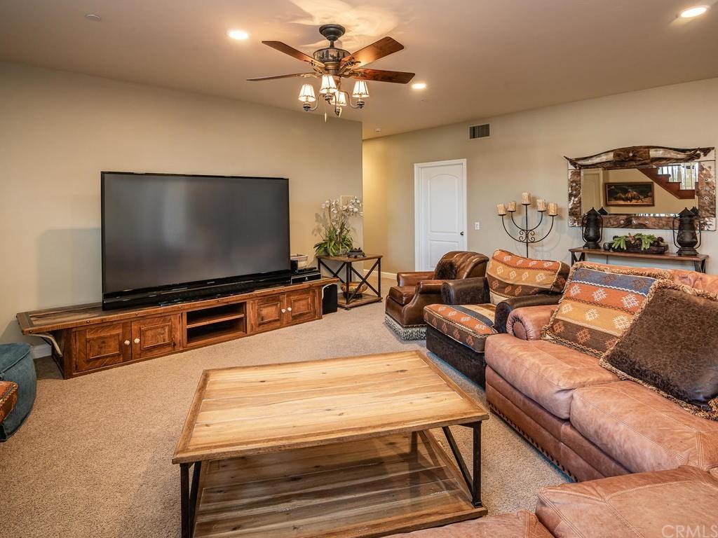 69300 Vineyard Canyon Road Property Photo 25