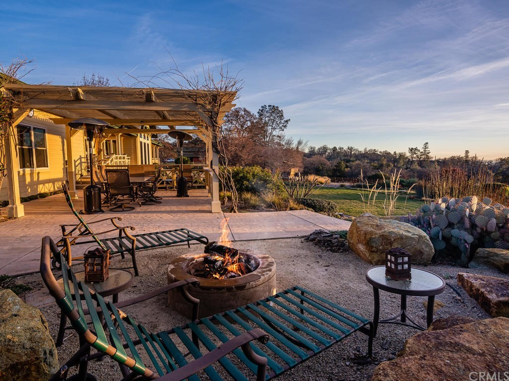 69300 Vineyard Canyon Road Property Photo 38