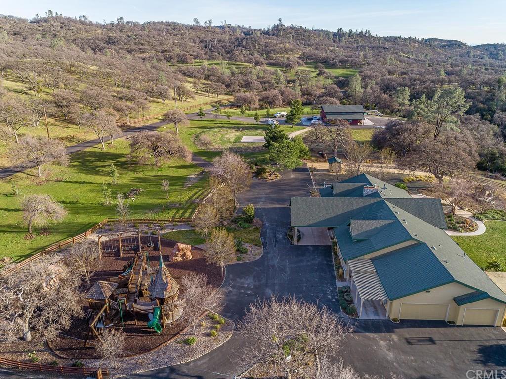 69300 Vineyard Canyon Road Property Photo 39