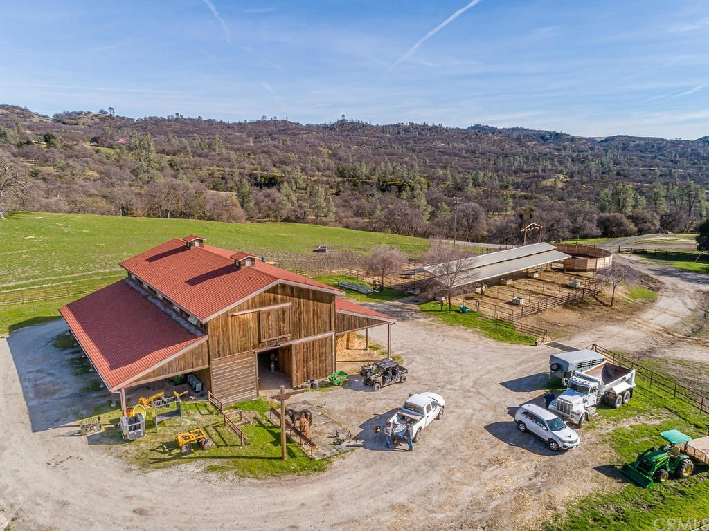 69300 Vineyard Canyon Road Property Photo 49