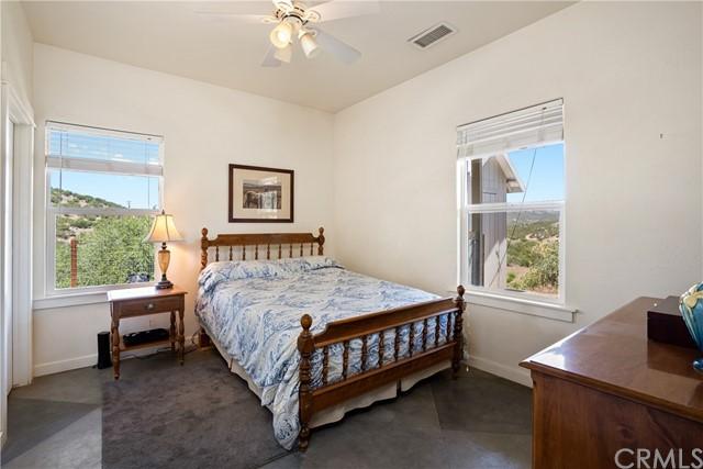 4255 Blue Rd Property Photo 13