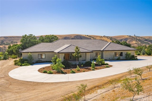 72827 Indian Valley Road Property Photo