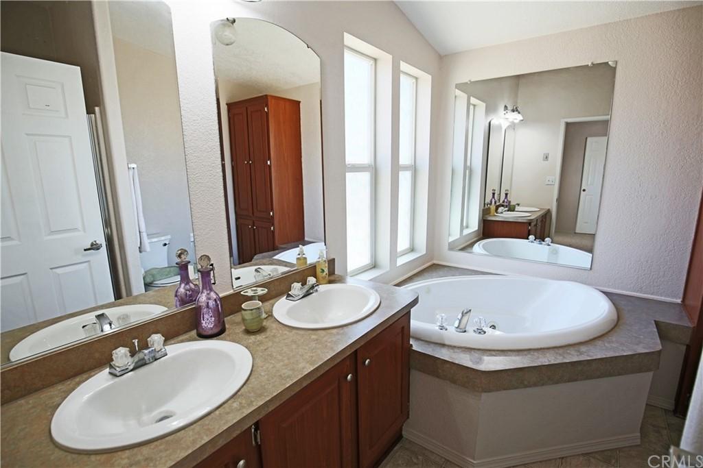 4550 Vista Del Lago Property Photo 54