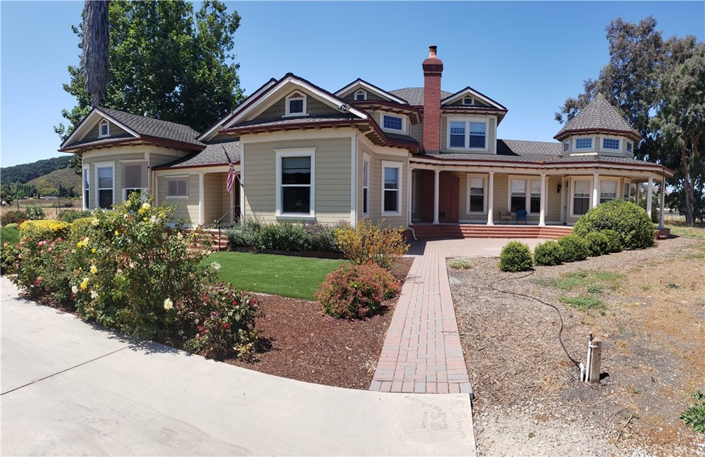 6425 Edna Road Property Photo 4