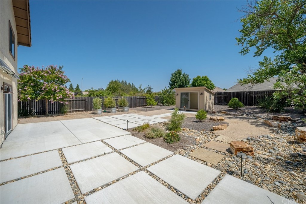 1706 Creeksand Lane Property Photo 16