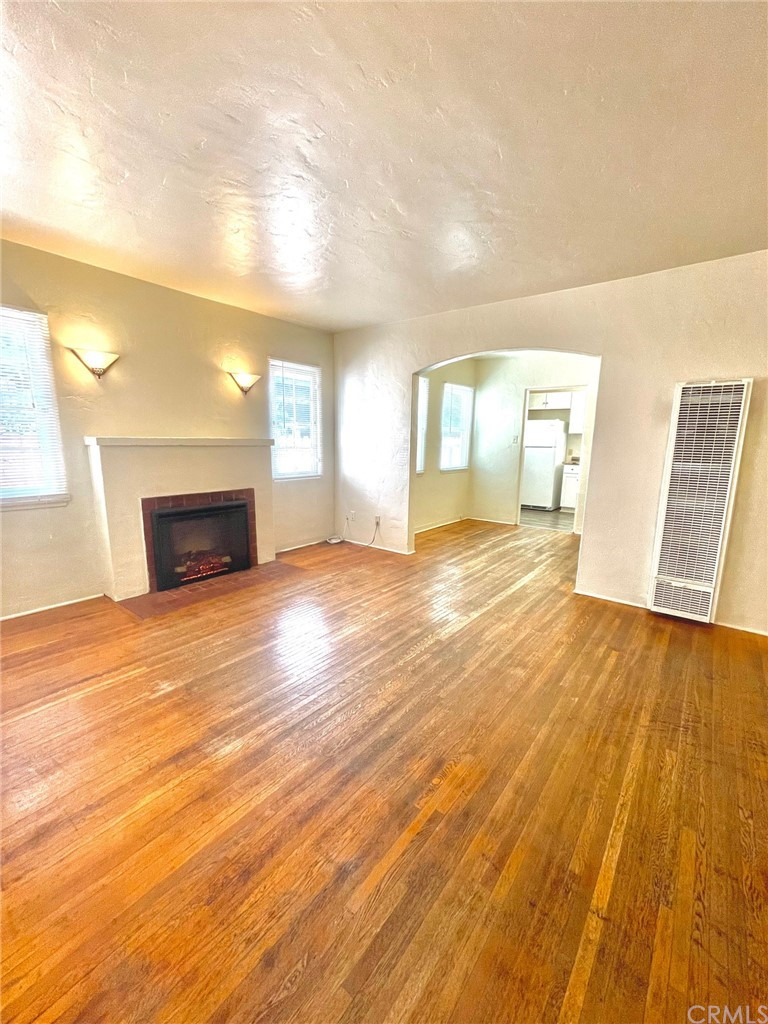 280 S 2nd Street Property Photo 4