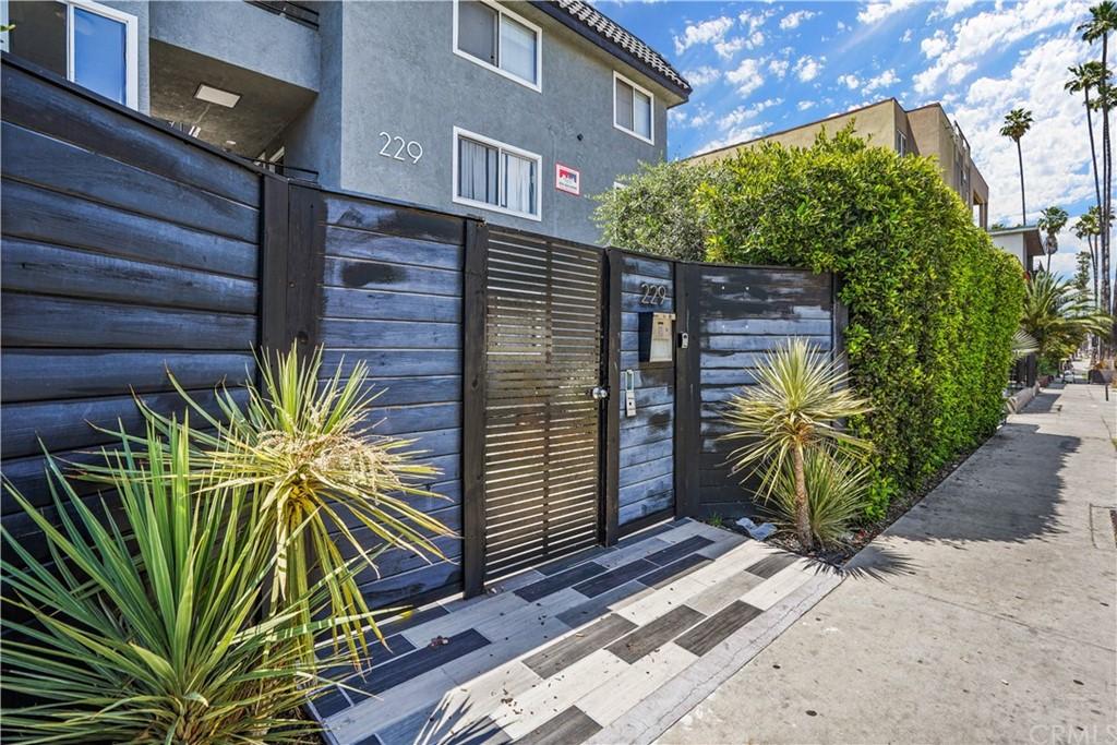 229 Normandie Avenue Property Photo