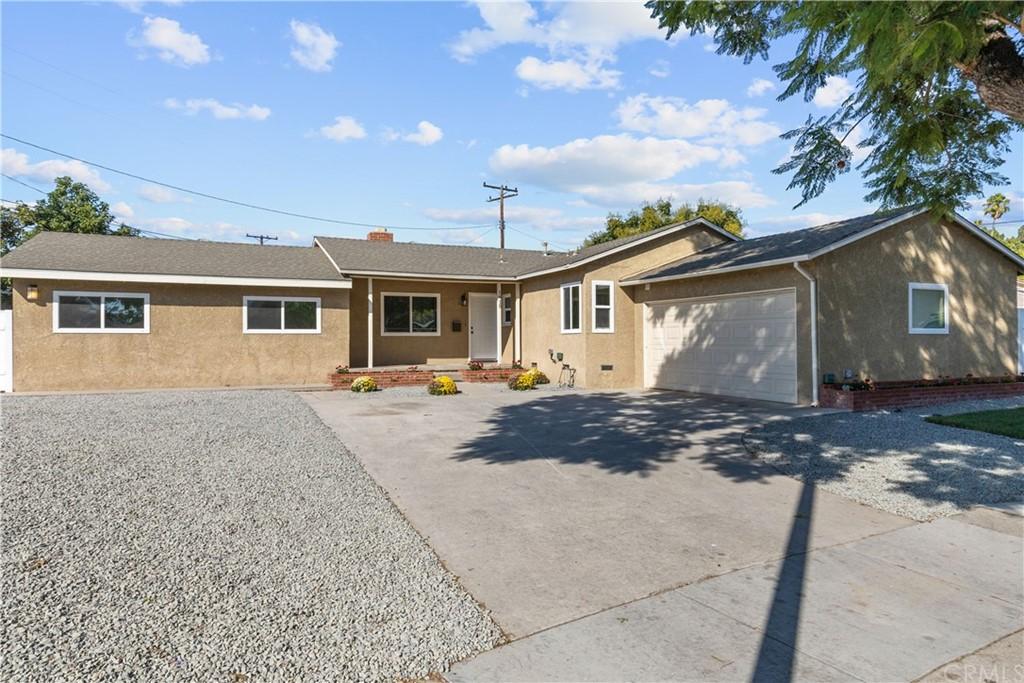 1415 E Gary Place Property Photo