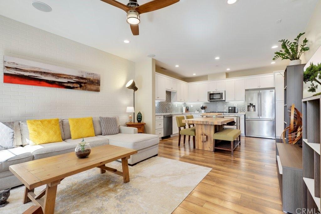 614 S Olive Street Property Photo