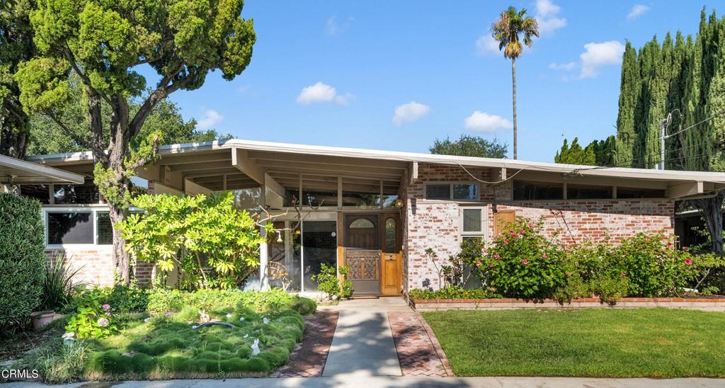 9411 Haines Canyon Avenue Property Photo