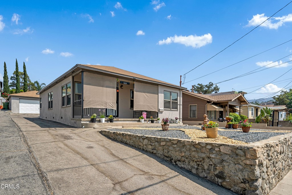 10224 Mcclemont Avenue Property Photo