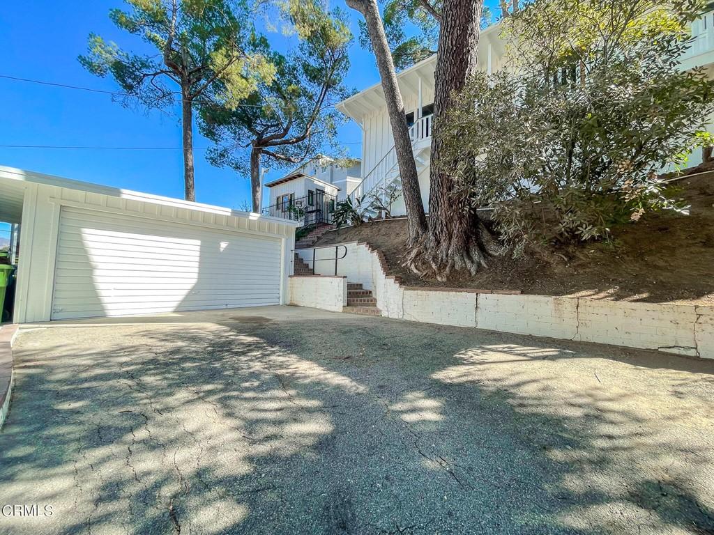 9736 Pinewood Avenue Property Photo