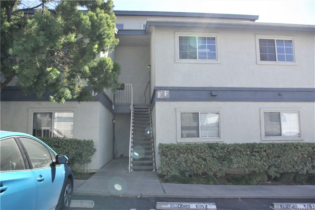 1035 Southwood Drive F Property Photo 1