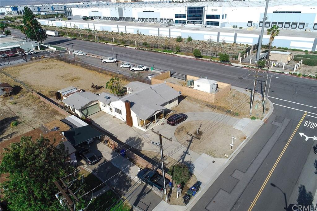 1382 N Maple Avenue Property Photo