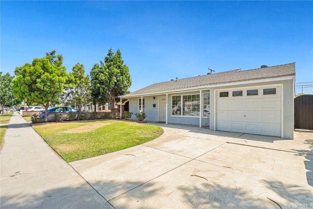 13922 Graystone Avenue Property Photo