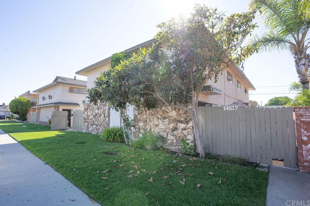 14517 Flallon Avenue 14521 Property Photo
