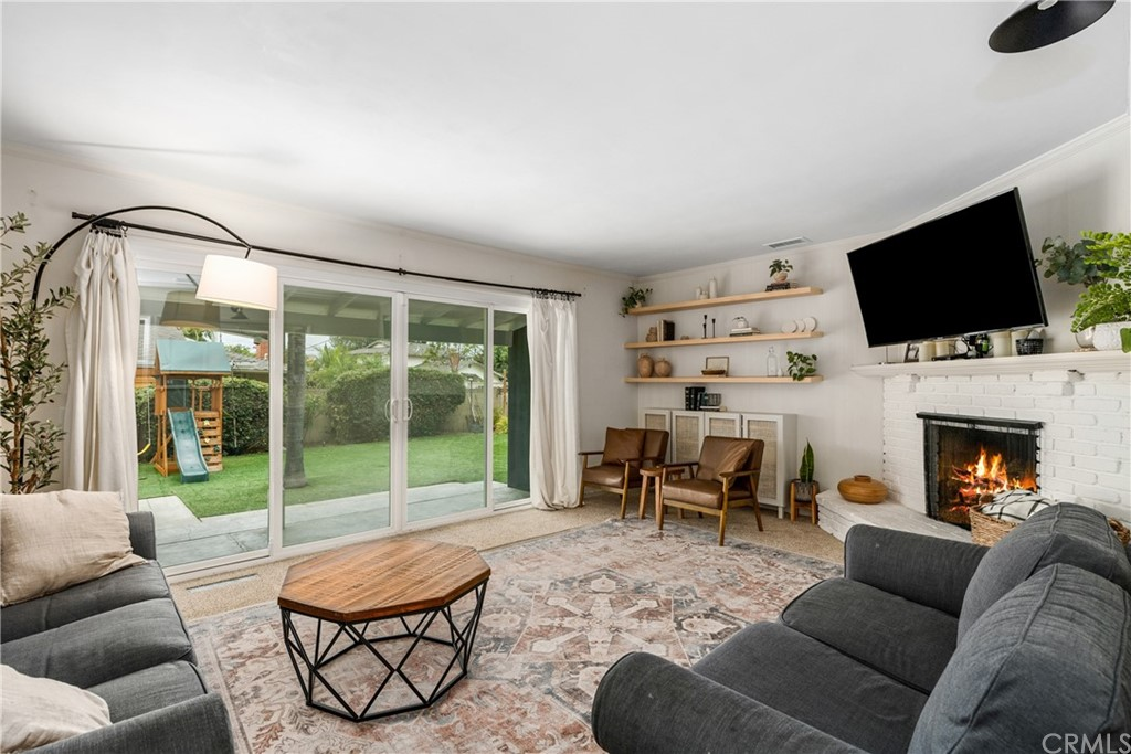 723 S Grove Avenue Property Photo