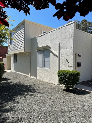 1390 Southwood Drive Property Photo 1