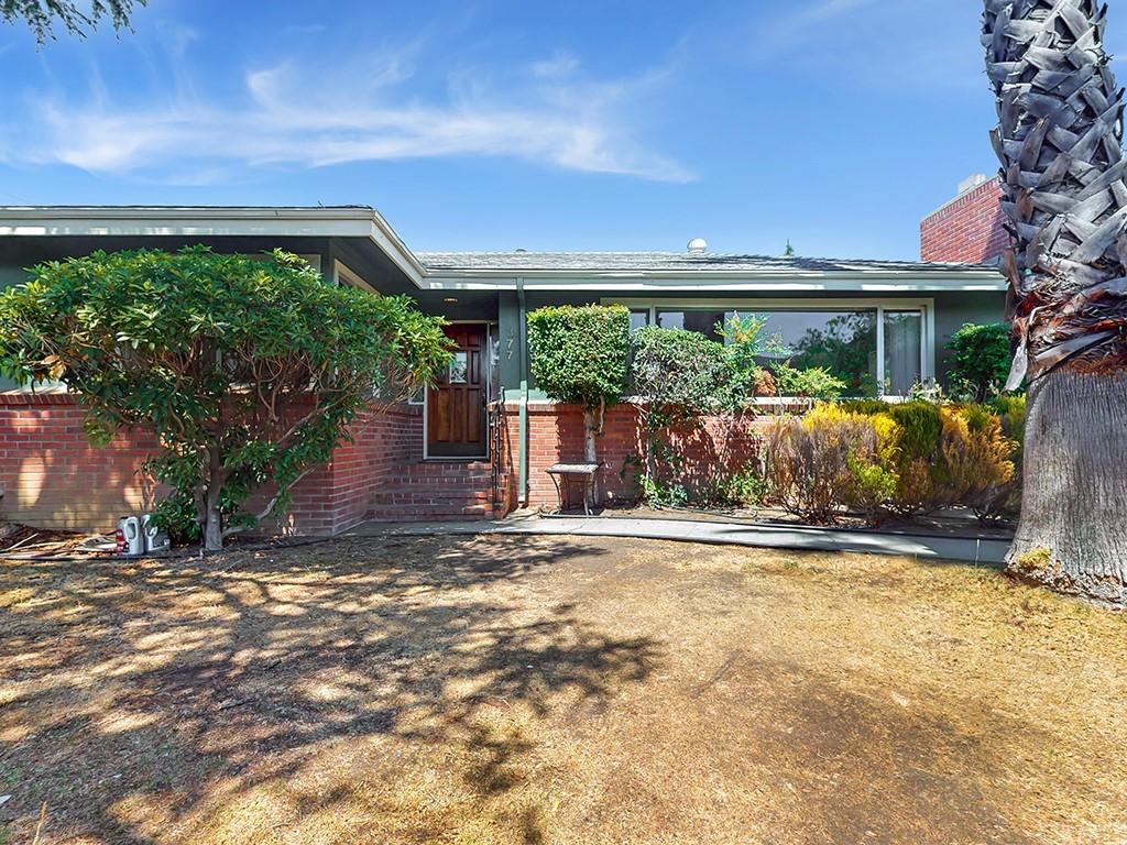377 Albert Drive Property Photo 1