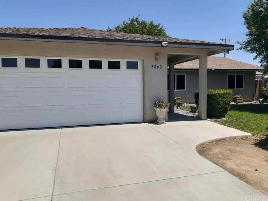 8860 Oak Drive Property Photo