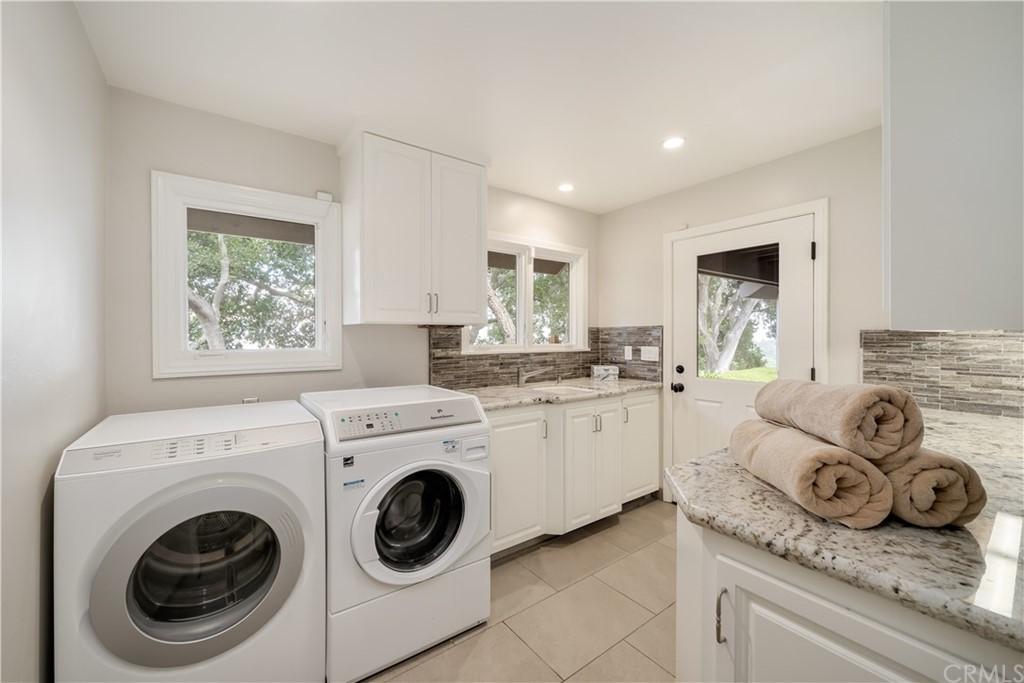 1025 Rimrock Lane Property Photo 28