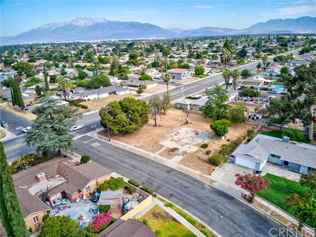 461 N Riverside Avenue Property Photo