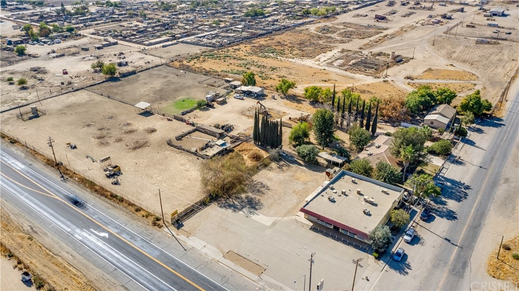 4901 Weedpatch Property Photo