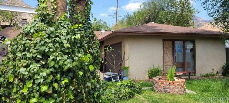 13632 Shablow Avenue Property Photo