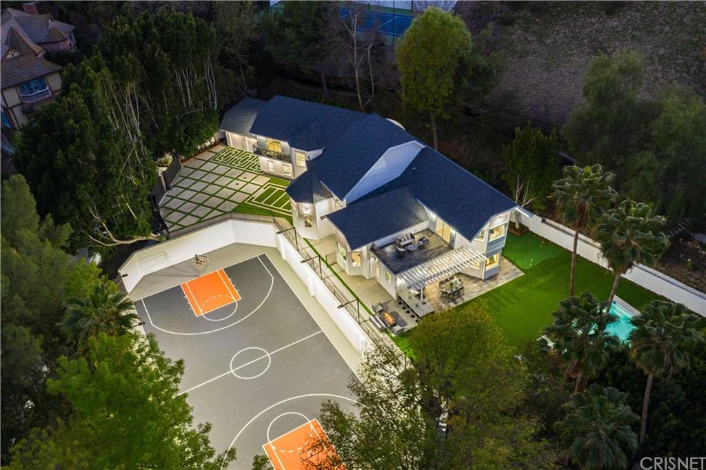 4453 Balboa Avenue Property Photo