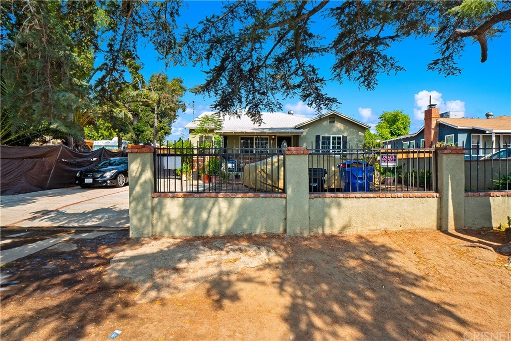 13903 Hubbard Street Property Photo