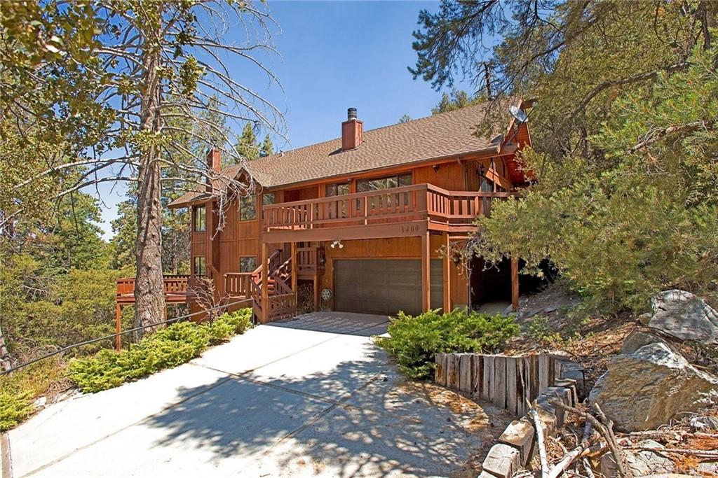 1200 Woodland Drive Property Photo