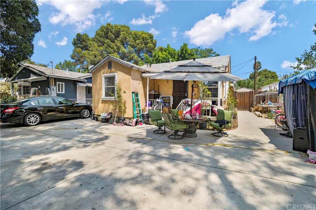 13234 Gladstone Avenue Property Photo